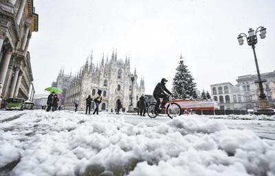 大雪席卷意大利北部地区 火车班次取消