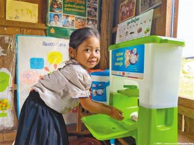 中国和联合国儿基会为柬埔寨幼儿园捐赠物资(患难见真情共同抗疫情)