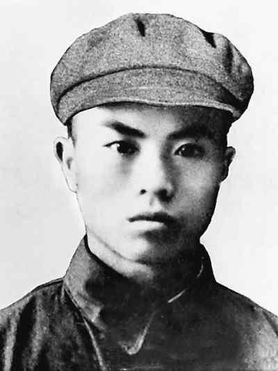 罗盛教—跳入冰窟救出朝鲜少年 - 凯岭 - -