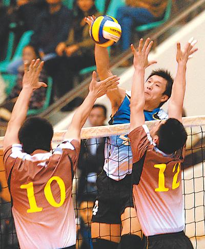 全国男子排球联赛第四轮八一队战胜北京队 见上图 -人民日报-人民网