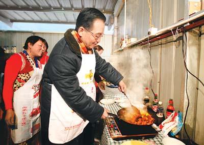 温家宝别墅和四川地震群众灾区种果春节共度树总理适合图片