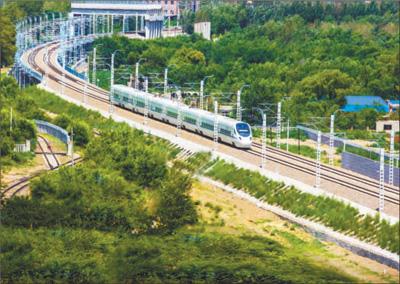 长白乌铁路8月8日正式开通运营