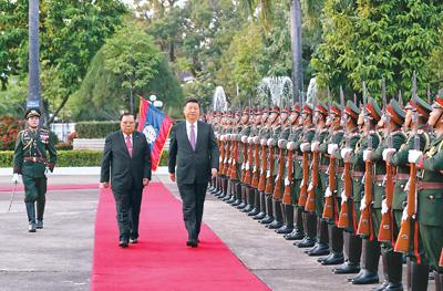 习近平同老挝人民革命党中央委员会总书记、国家主席本扬举行会谈<br>双方同意共同打造中老具有战略意义的命运共同体
