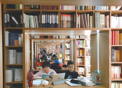 政府的扶持力度加大  书店的政策环境和市场环境有了很大改善