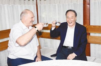 王岐山副主席访问白俄罗斯