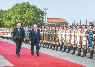 习近平同哈萨克斯坦总统纳扎尔巴耶夫会谈