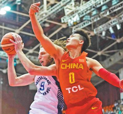 中澳男篮对抗赛第三场 中国男篮红队获胜
