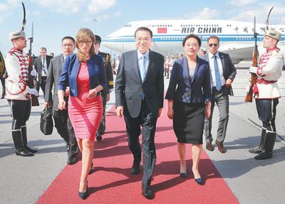 李克强抵索非亚对保加利亚进行正式访问