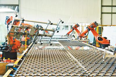 河北沙河一玻璃生产企业加快产业转型升级