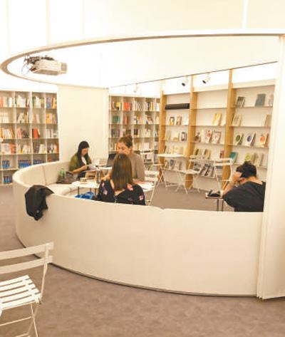 校园书店,渐次归来