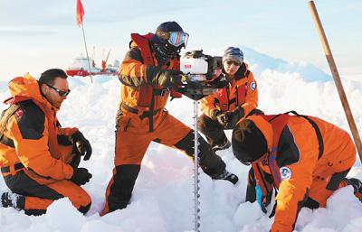 打通南极冰上运输线