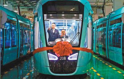 四川成都有轨电车首开段正式开通运营