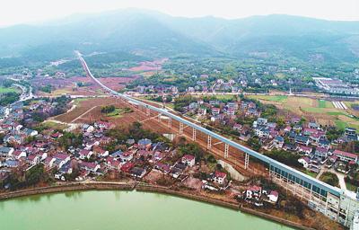 全長22km「空中輸送回廊」が稼働 中国浙江省