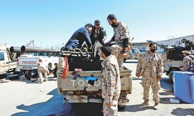利比亞局勢動蕩加劇 已致上萬人被迫撤離