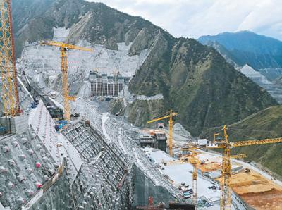 绝壁之上建电站(产经观察・直击重大工程②)