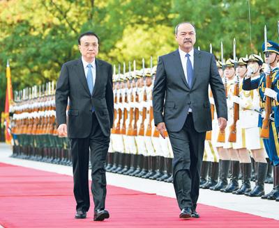 李克强同乌兹别克斯坦总理举行会谈