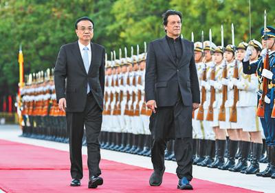 两国总理共同见证了基础设施建设、szetiog执法安全、文化、教育、媒体等多项双边合作协议的签署