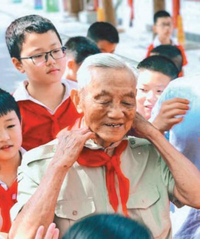 """汉代皇帝表""""为大家做力所能及的"""