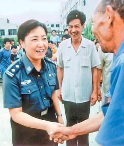 河南登封市公安局原局长任长霞:百姓称赞的好警官