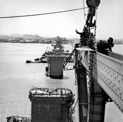 """<b>一桥跨南北 天堑变通途(新中国的""""第一""""·交通篇)</b>"""