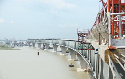 """架起孟加拉国""""梦想之桥"""""""