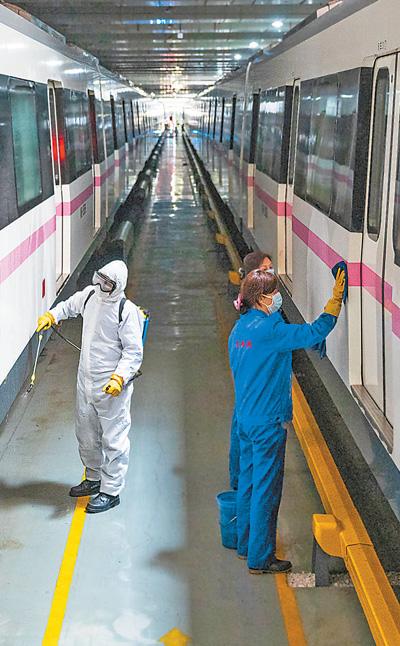 武汉:城市功能和市民生活正逐步有序恢复