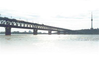 长江第一桥三代养桥人