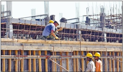中企承建斯里兰卡铁路项目举行铺轨仪式