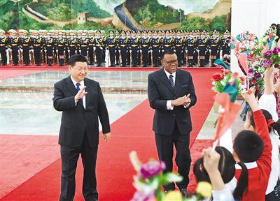 习近平同纳米比亚总统根哥布会谈