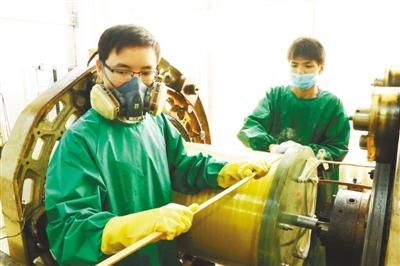 从无到有、从弱到强,短短10年时间,武汉国家脉冲强磁场科学中心就已达到国际领先水平 磁场为什么这样强