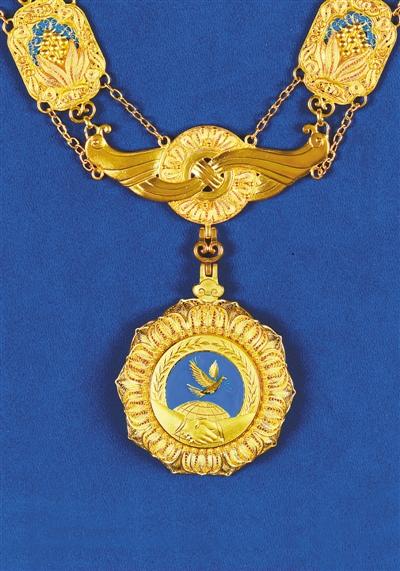 """我国将首次颁授中华人民共和国""""友谊勋章"""""""