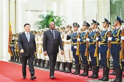 习近平同布基纳法索总统卡博雷会谈