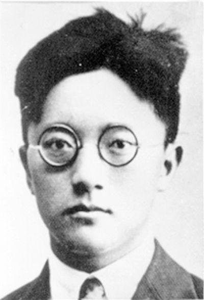 """施滉:""""清华最有光荣的儿子"""""""
