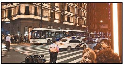 行人过街提示新系统:斑马线上亮起红绿灯