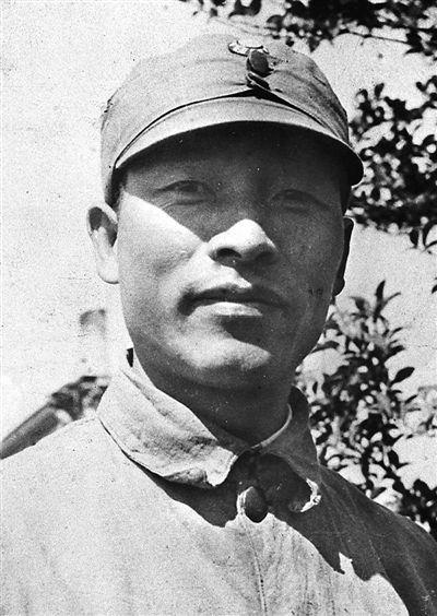 彭雪枫  文武兼备的虎胆将军