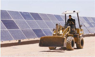 """灿烂阳光正为埃及能源发展提供新动能——该国首个""""太阳能村"""""""
