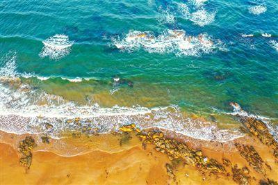 白浪逐沙灘