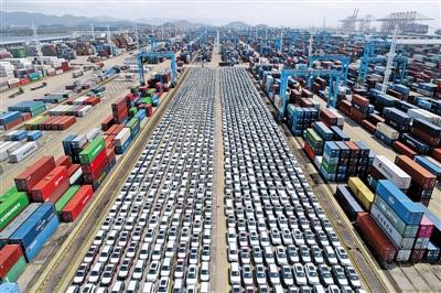 2018年 中国货物进出口总额占全球份额为11.8%