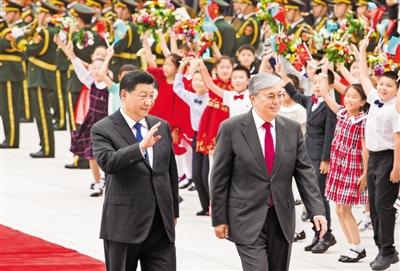 习近平同哈萨克斯坦总统托卡耶夫会谈