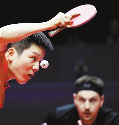 在河南郑州进行的2019国际乒联世界巡回赛总决赛男子单打1/8决赛中