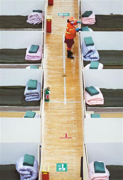 武汉已启用7座方舱医院(应收尽收刻不容缓)