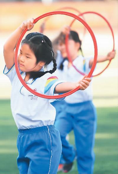 开学季运动健身成为青少年的热门选择
