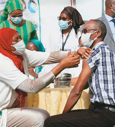 多国民众接种中国疫苗