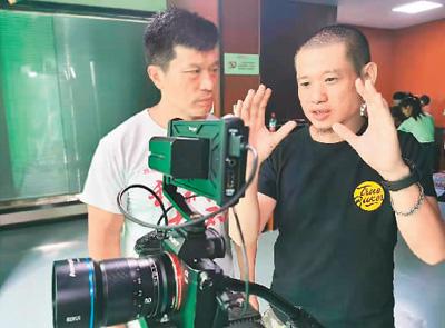 """在武汉追寻电影梦想的七什么八益 薛颖穜:""""两岸就是一家人"""""""