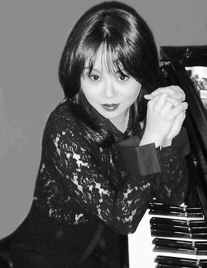 黑白动漫钢琴女孩手绘图