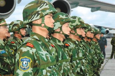 中国武警 雪豹突击队 抵莫斯科 中国之窗图片