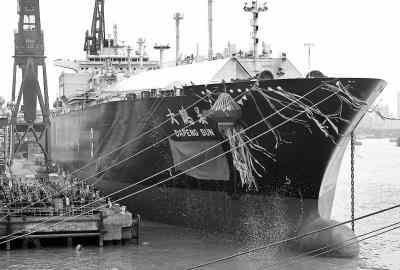 储罐用于容纳从LNG运输船上卸载的LNG