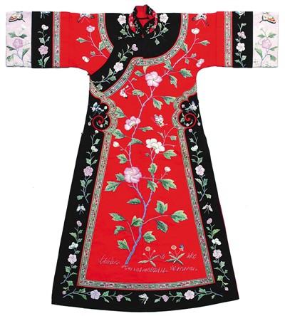 中国丝绸勾勒丝路画卷
