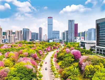 柳州:工业与山水和谐共生