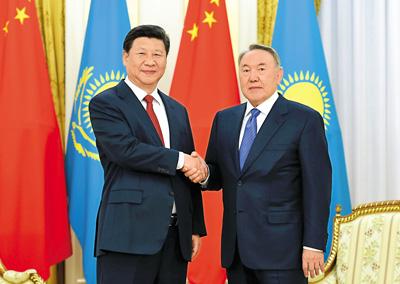 第一副总理萨金塔耶夫在